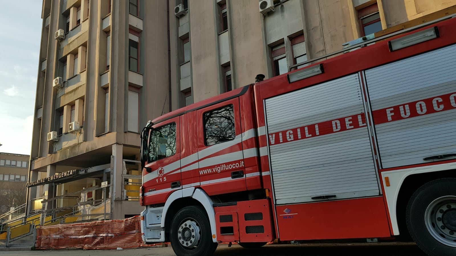 Fiamme in ospedale Benevento