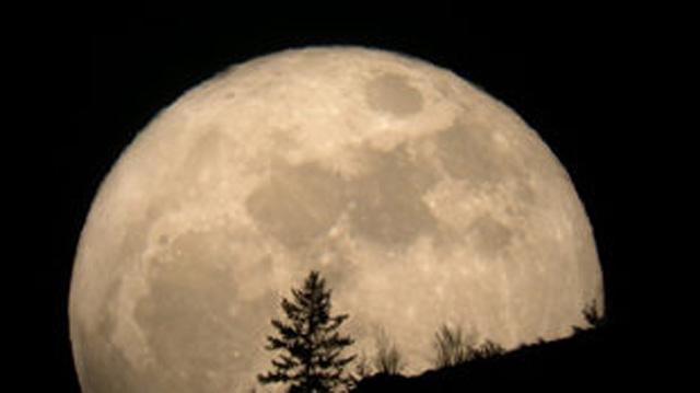 Il 27 luglio eclissi totale di Luna più lunga del secolo