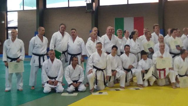 varietà larghe uk sporco dettagliare Karate, il maestro Carletti ottiene la cintura bianco rossa: è il ...